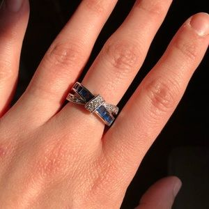 Jewelry - Beautiful blue and clear gemstone ring